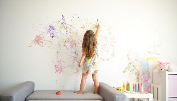 Четыре работающих способа как удалить пятна карандаша со стен