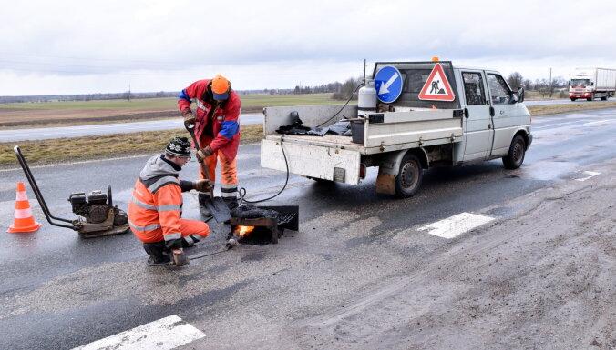 Евроденег все меньше, налоги все выше: Латвию ждут проблемы с ремонтом дорог