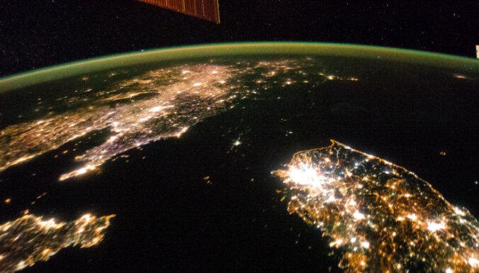 Aptumšotā Ziemeļkoreja: valsts gadā saražo tik elektrības, cik Seula patērē četros mēnešos