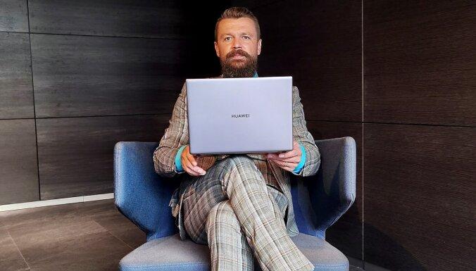 'MateBook X Pro' kā laimīgā loze: TV personība Armands Simsons dalās iespaidos par jauno klēpjdatoru