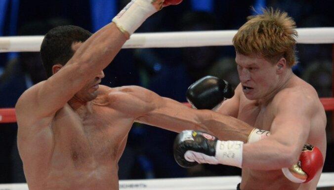 Кличко победил Поветкина единогласным решением судей
