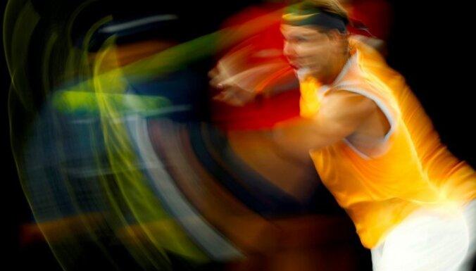 Nadals, Šarapova un Vozņacki sasniedz Austrālijas atklātā čempionāta trešo kārtu