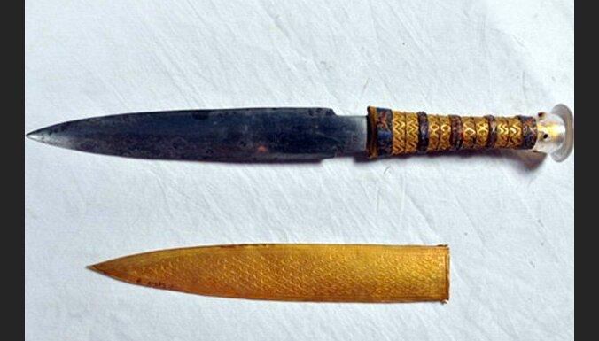 Доказано внеземное происхождение металла кинжала Тутанхамона