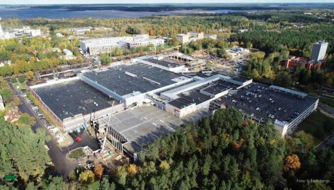 ФОТО: У торгового центра Alfa откроется новая многоэтажная парковка