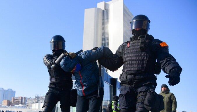 Krievija stingrāk vēršas pret aicinājumiem uz protestiem sociālajos tīklos