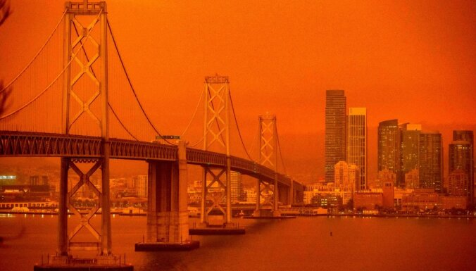 ФОТО: Небо над Сан-Франциско окрасилось в оранжевый цвет