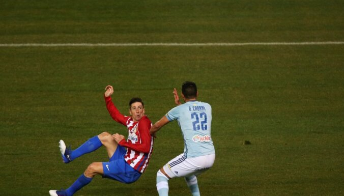 Atletico Fernando Torres scores goal Celta