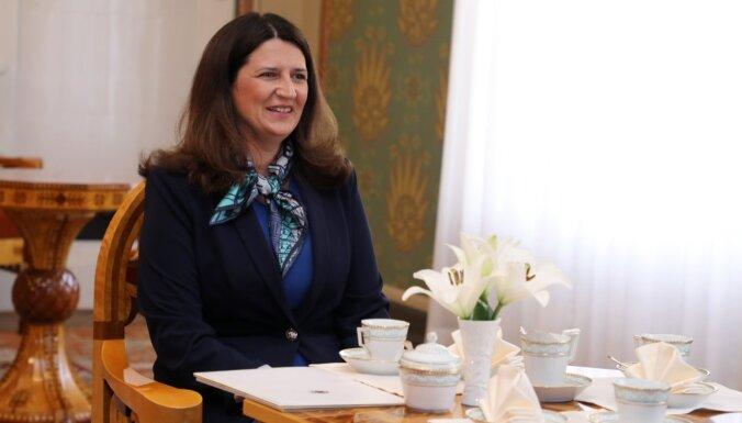 Jaunā Latvijas vēstniece Lielbritānijā vēlas stiprināt sadarbību drošības un ekonomikas jomā