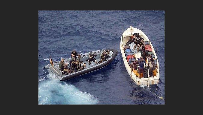 ASV karafloti vaino amerikāņu jahtsmeņu nāvē