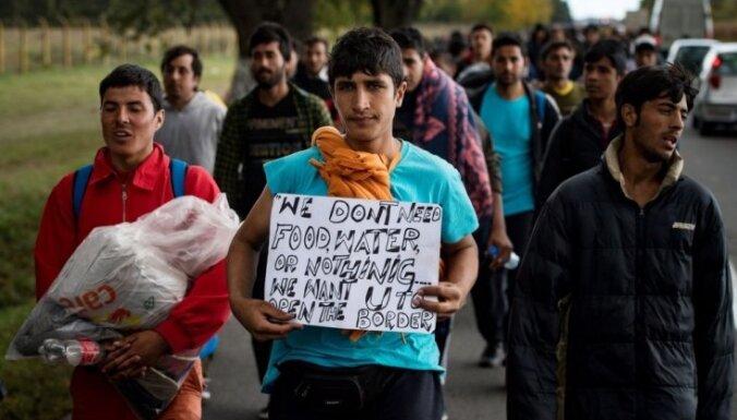Ungārija grasās konstitūcijā aizliegt imigrantu masveida nometināšanu valstī