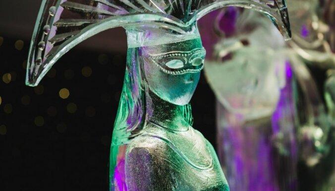 ФОТО: В Елгаве проходит фестиваль ледовых скульптур