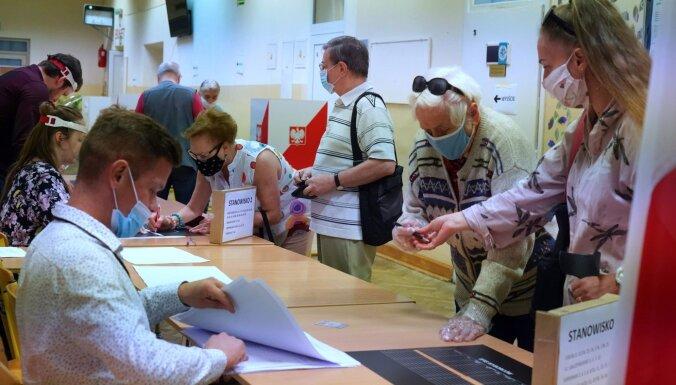 В Польше проходит решающий тур президентских выборов