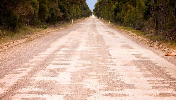 Grants autoceļus pārklās ar melno segumu gandrīz 32 kilometru garumā