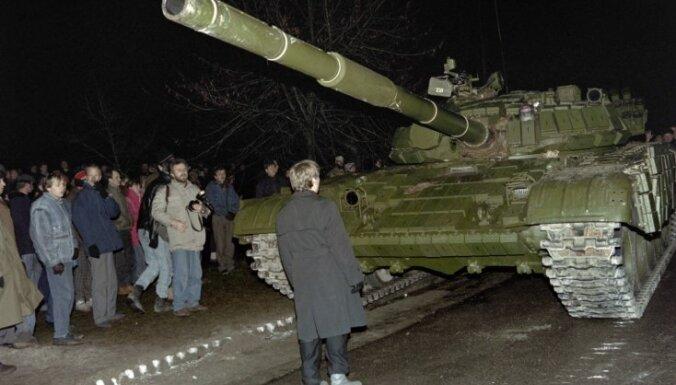 Lietuvas tiesa aizmuguriski piespriež 10 gadu ieslodzījumu bijušajam PSRS aizsardzības ministram