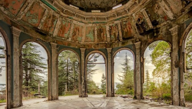 ФОТО: Заброшенная Абхазия глазами британского фотографа Джеймса Кервина