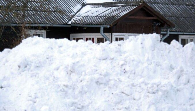 Vietām Latvijā diennakts laikā uzsniguši 19 centimetri svaiga sniega