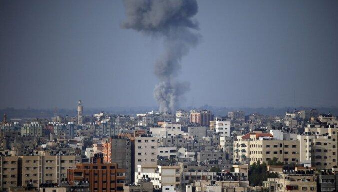 Notikusi pamatīga Gazas bombardēšana un sauszemes reids