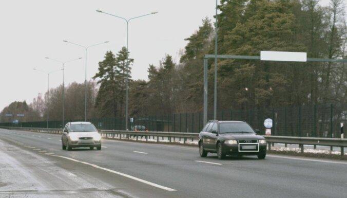 Ozolnieku novadā 'Audi' traucas ar gandrīz divreiz lielāku ātrumu nekā atļauts