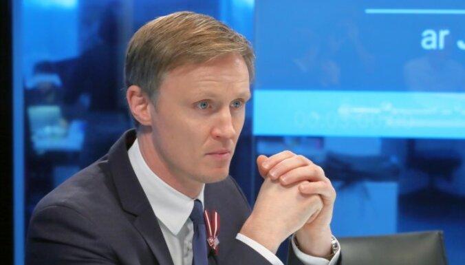 Zelenska turpmākā politika ir neatbildēta mīkla, uzskata Kols