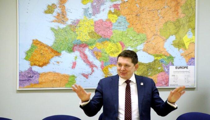 'KPV LV' turpinās sarunas par valdības veidošanu; Gobzems atteicies no iekšlietu ministra krēsla