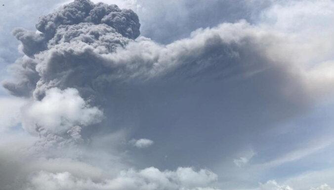 Карибский кризис: на острове Сент-Винсент извергается вулкан, под угрозой весь регион