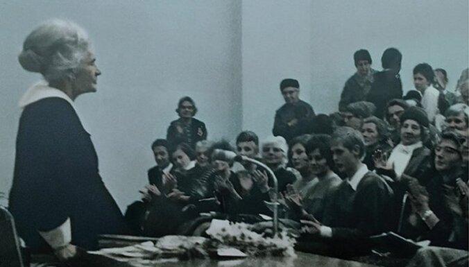 Pirmizrādi piedzīvos Kristīnes Krūzes-Hermanes iestudējums par Zentu Mauriņu