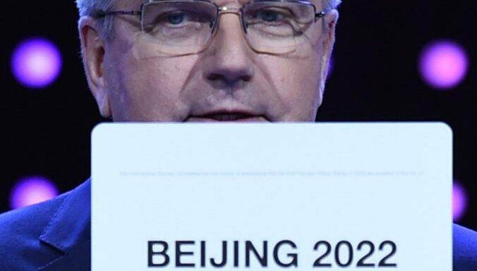 Cilvēktiesību aizstāvēšanas grupas aicina SOK atņemt Pekinai olimpiskās spēles
