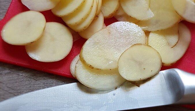 Kā pagatavot figūrai draudzīgus kartupeļu čipsus bez taukvielām