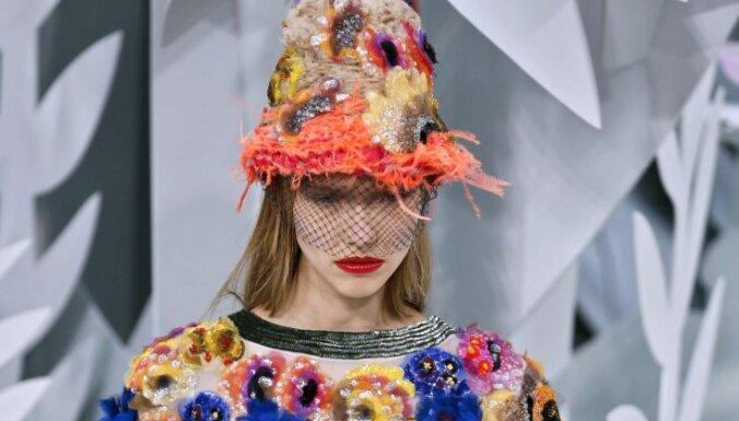 ФОТО: Экзотические девушки-цветы в коллекции Карла Лагерфельда для Chanel