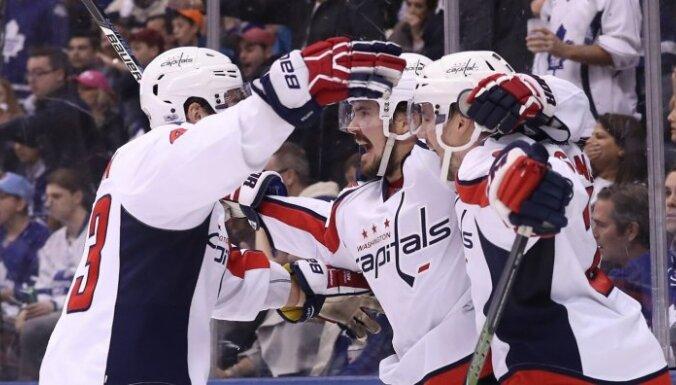 'Capitals' un 'Senators' kā pēdējās komandas iekļūst Stenlija kausa otrajā kārtā