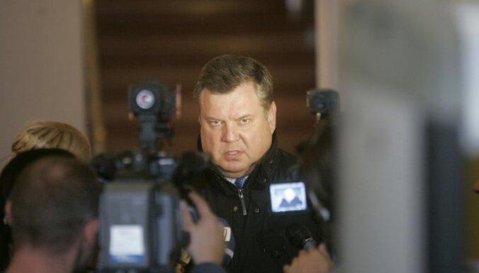 Ģenerālprokurors atstāj spēkā pielaides liegumu Urbanovičam