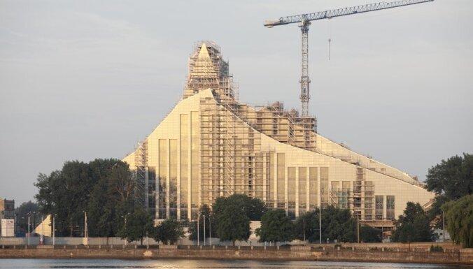 'De facto': tomēr vēlas atteikties no saules enerģijas izmantošanas Gaismas pilī