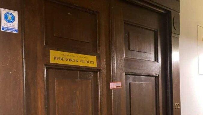 Rebenoka slepkavība: kratīšana notikusi arī viņa advokātu birojā