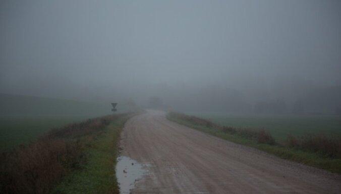 Sestdien Latvijas teritoriju šķērsos plaša nokrišņu zona
