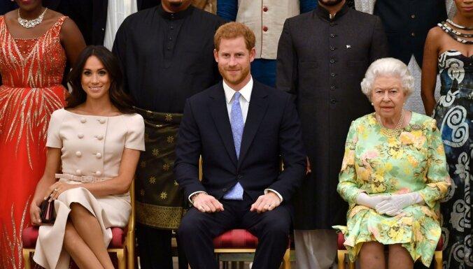 Prinča Harija un Meganas attiecības ar karalieni kļūst arvien saspīlētākas