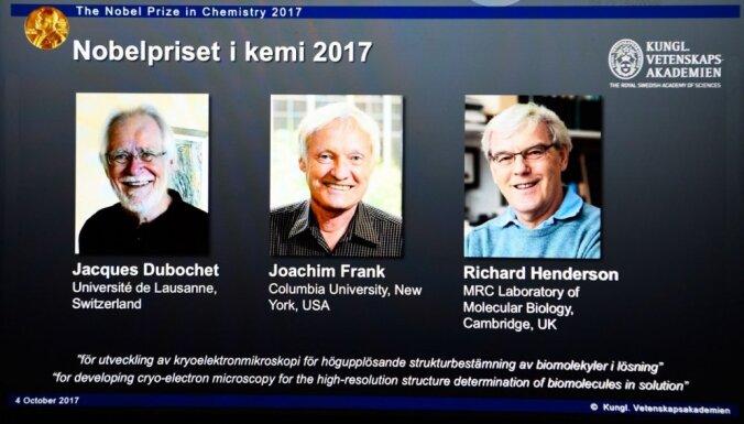 Nobela prēmija ķīmijā piešķirta par krioelektroniskās mikroskopijas metožu izstrādi
