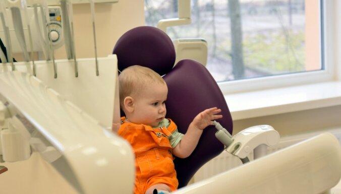 Foto: Durvis ver pirmā privātā specializētā bērnu klīnika 'Bērnu veselības centrs'