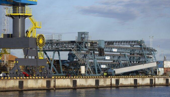 Augustā rekordaugsti graudu pārkraušanas apjomi Rīgas ostā
