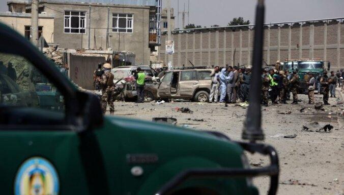При взрыве в Кабуле пострадали сотни человек