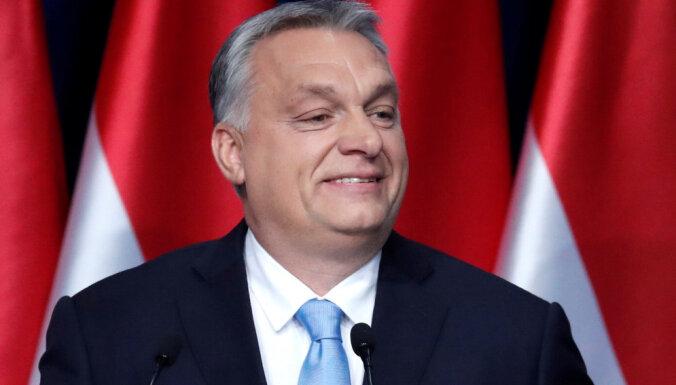 Par spīti bēgļu krīzes beigām Ungārija kampaņā baida ar EK veicinātu masu imigrāciju