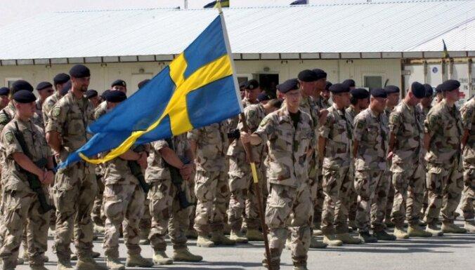 Zviedrijā aug popularitāte dalību NATO atbalstošajai opozīcijai