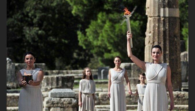 В Греции зажжен огонь Олимпиады-2010