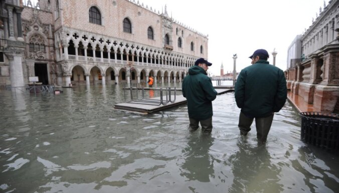 """Венеция """"тонет"""" со скоростью четыре миллиметра в год"""