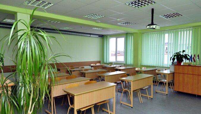 Со следующей недели очные занятия для школьников могут проводиться в 50 самоуправлениях