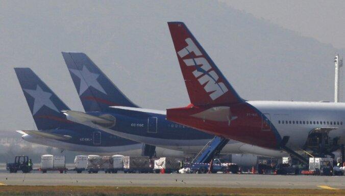 Неадекватный пассажир едва не устроил авиакатастрофу