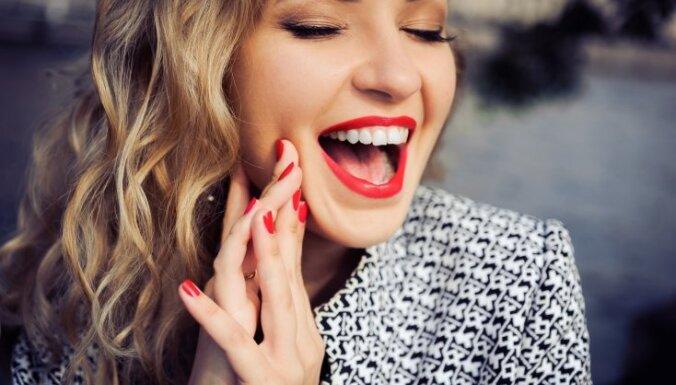 Padomi, kā uzkrāsot perfekti sarkanas lūpas