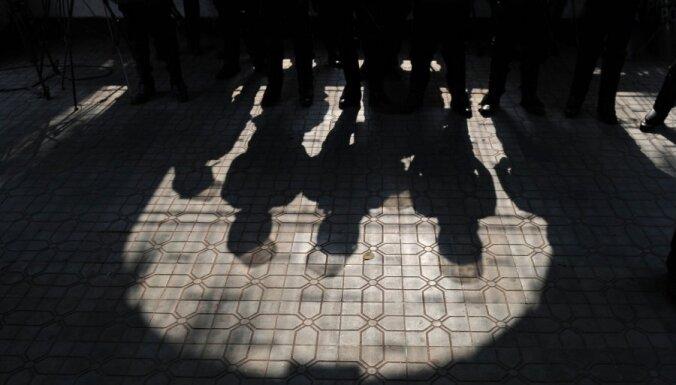 Pakistānā bez apsūdzībām apcietināti 700 kaujinieki