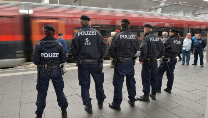 Austrija bēgļu un migrantu krīzes risināšanā iesaista armiju