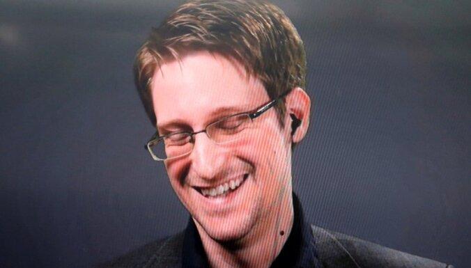 Женился, ездит на метро. Интервью Эдварда Сноудена — основные моменты