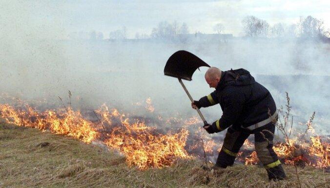 ГПСС: в воскресенье потушено 18 пожаров травы